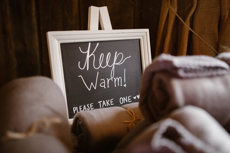 Unique Ideas for Mountain Wedding Favors Blankets