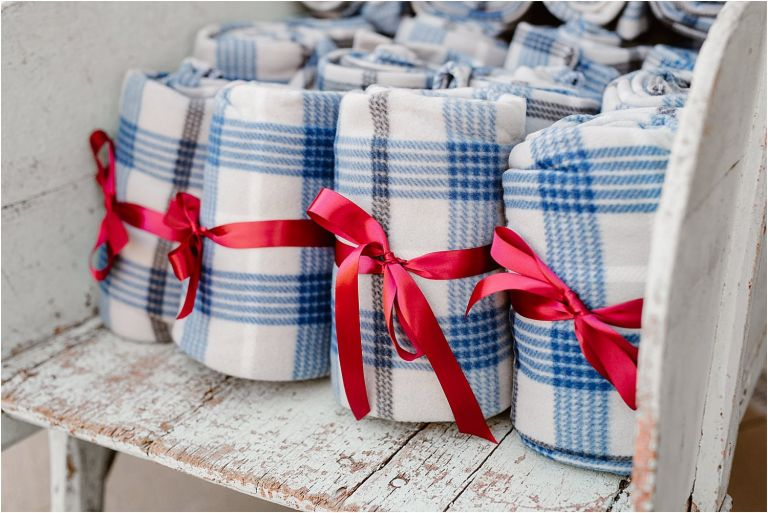 blanket wedding favors for guests at Micro-Wedding